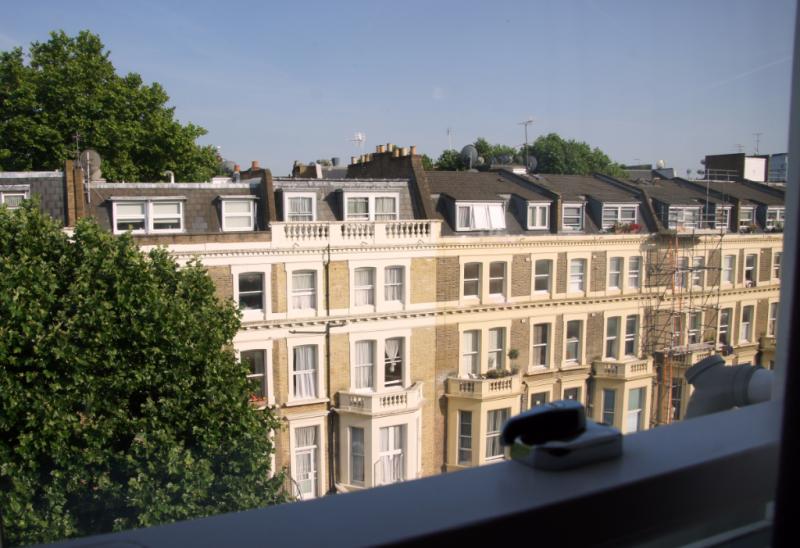 Mowbray Court Hotel London