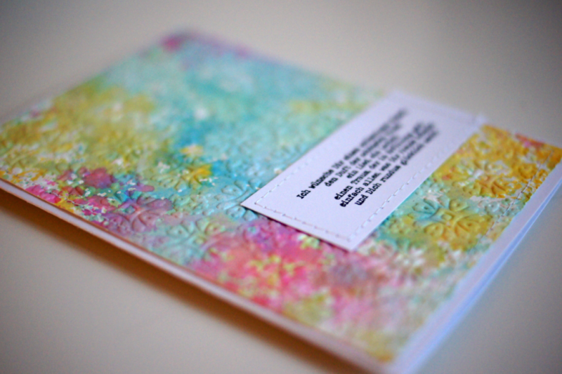 selbstgemachte Karte mit Aquarelltechnik und Tim Holtz Texture Fade Folder