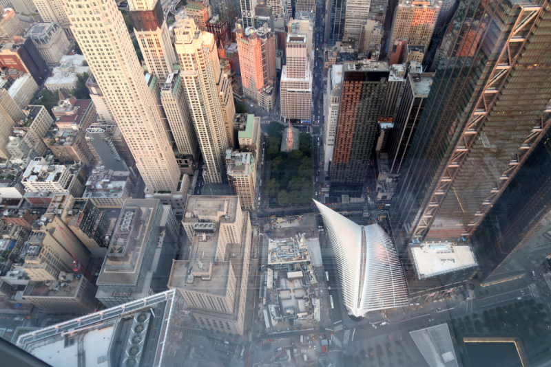 Blick auf Oculus und Memorial vom One World Observatory New York City