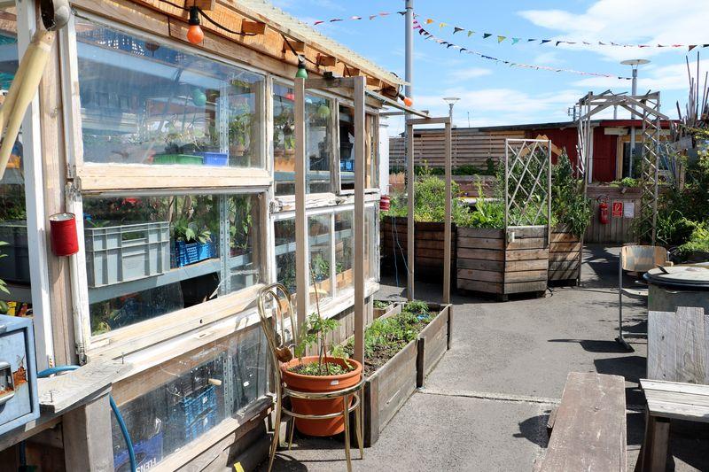 Rooftop Bar Klunkerkranich Berlin Neukölln