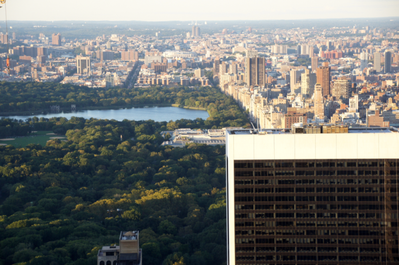 Blick auf Empire Central Park vom Top of the Rock Observatory New York